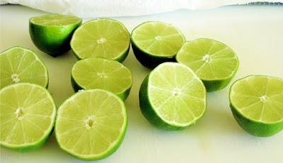 cara memutihkan kulit tubuh dengan cara alami menggunakan jeruk nipis