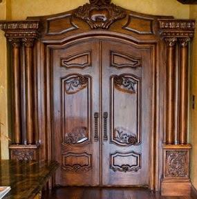 desain pintu utama rumah minimalis dari kayu jati