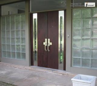 pintu utama rumah minimalis mewah 2 pintu